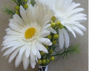 Gerbera Daisy Boutonniere, Berries, Corsage