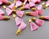 4 sweet pink color tassel necklace pendants, light pink tassels with gold top bail 2049G-PK