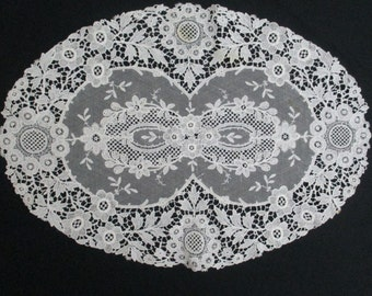 Beautiful Vintage Princess Lace Doily Doilie
