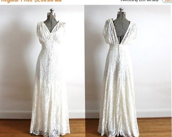 ON SALE 1930s Wedding Gown / 1930s 1940s Lace Bias Cut Wedding Dress