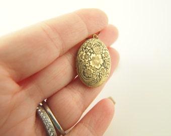 Engraved Flower Locket - Gold Filled - Vintage