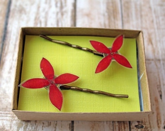 Red Wildflower Hair Pins - Set of 2 Real Flower Bobby Pins - Flower Girl Hair Pins - Red Wedding Hair Pins - Red Bridesmaid Bobby Pins