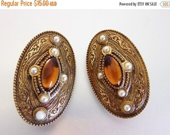 ON SALE Large Vintage Oval Amber Glass Earrings