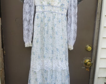 1970s boho hippie  flowered prairie   maxi dress BLUE    flowers and lace  sleeves and corset top   small size