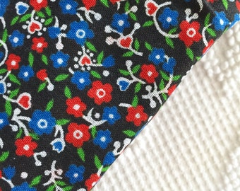 Lovely Vintage Blue Red Floral Flowers Cotton Fabric Hearts