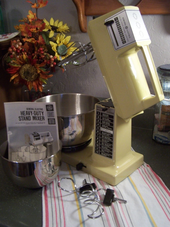 Vintage 1970s stand mixer ge general electric 12 spds 2 for Antique general electric mixer