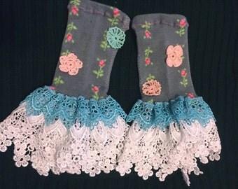 Grey Flowers Fingerless Gloves