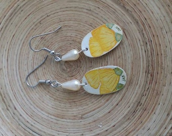 Scrimshaw Earring Set Lovely Yellow Flowers and Pearl Bead OOAK Great Gift Idea