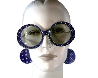 Vintage 1960s MOD Earring Sunglasses, Blue Polka Dot Huge Round Sun Glasses with Silver Chain & Discs