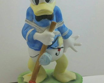 Donald Duck Figurine Signed © Walt Disney Productions