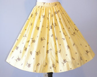 50s Novelty Print Skirt, 1950s Circle Skirt, Vintage Yellow Gingham Cotton Skirt with Spinning Wheels, 27 Waist