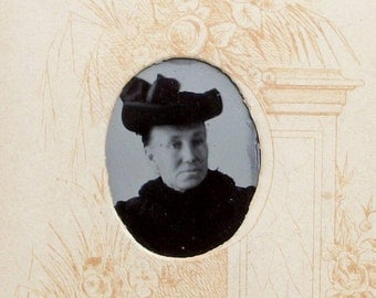 GEM Size Tintype - Wealthy Dowager