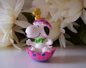 Vintage Peanuts Snoopy Sitting in a Hot Pink Cracked Decorated Easter Egg with Woodstock PVC Miniature Figurine