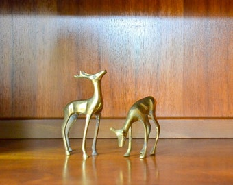 vintage smooth brass deer figurines / rustic home decor / woodland / christmas / holiday decor