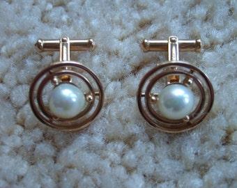 Ming's 14k Gold Pearl Cufflinks, Ming's of Honolulu, Fine Jewelry, Gold Cufflinks,  Ming of Honolulu Estate Jewelry