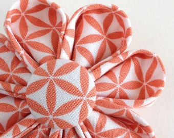 Peach Geometric Print Brooch - Flower Lapel Pin for Spring