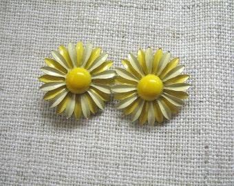 Vintage Small Enamel Flower Earrings ~ 2 Tone Yellow ~ Clip On