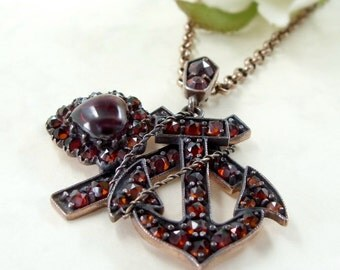 Vintage garnet pendant faith-hope-charity in Victorian style|| ГРАНАТ