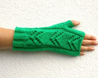 Chevron Fingerless Gloves, Hand Knitted Long Gloves, Green Womens Gloves Winter Fashion, Kelly Green Knit Gloves Spring Fashion Gift for Her