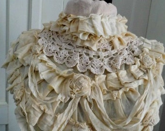 Collar, Gothic collar, steampunk collar, gothic neck ruffle, performance, tatter punk, cream collar, roses, jane austen, shabby chic, roses