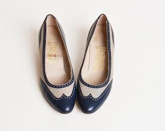 Vintage 70s 80s Navy FERRAGAMO Spectator Pumps / Low Heel Leather Fabric Shoes 6