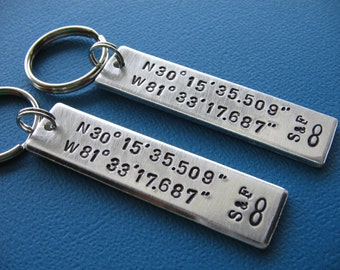 SALE - Custom Coordinates Keychains, Coordinates Couples Set, GPS Latitude Longitude, Coordinate Key Chain, Boyfriend Gift, Girlfriend gift