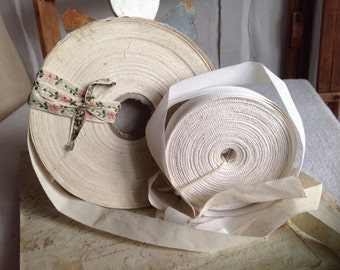 Vintage Tapes, White Grosgrain Cotton Ecru / Antique French Trim  / Millinery & Upholstery / 6 yards