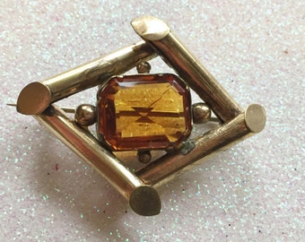 Victorian Gold Brooch with Citrine