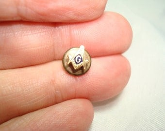 Tiny Vintage Masonic Lodge MASON Button Hole Pin.