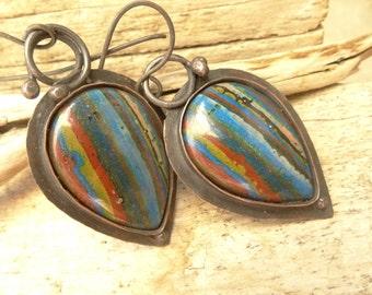 Subtile Rainbow Calsilica Teardrop Copper Rustic Earrings