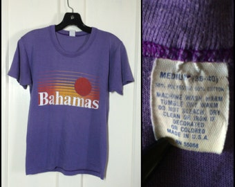 perfect Vintage tee 1970's Bahamas sunset Beach souvenir T-shirt size Medium Purple 17x22 surfer perfectly worn soft