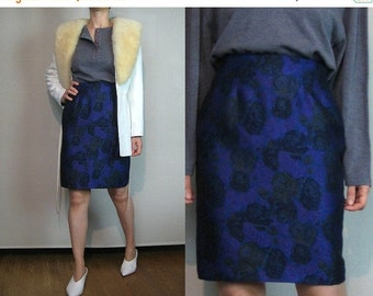 SUMMER SALE 80s WOOL Tapestry Rose Leaf Print vtg Rayon Wool Blend Leaves Floral Violet Purple Blue Green Black Mini Pencil Skirt xs Small 1