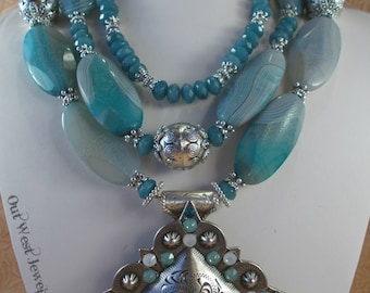 Western Rodeo Cowgirl Necklace Set - Chunky Icy Blue Agate and Jade - Concho Pendant