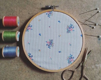 Embroidery Hoop Wall Hanging, Vintage Fabric Wall Art, Shabby Chic Home Decor, Rustic Floral Wall Decoration