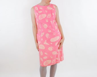 Vintage 60's soft sleeveless dress, pink on pink swirl pattern, off white seashell print, pockets, mod, tiki, Toby of Palm Beach - Medium