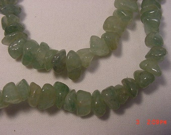 Vintage Green Glass Bead Necklace  16 - 393