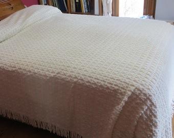 Vintage Rosebud Chenille Bedspread-Pristine-HUGE-Morgan Jones-FREE ship