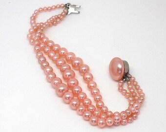 Vintage Faux Pearl Bracelet Light Pink 1950