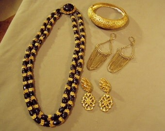 Vintage Yellow Gold Tone 2 Strand Necklace Hinged Bracelet 2 Pairs Pierced Earrings 8612