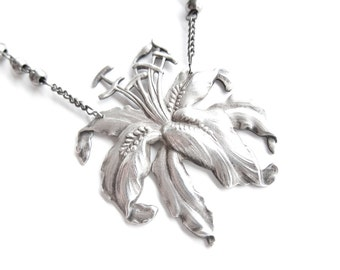 Lily, Fair in the Silvery Light — vintage repurposed brooch with vintage rosary chain