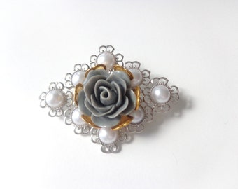Pearl flower brooch statement brooch