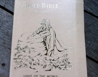 Bible 1971 Edition of the Light of the World Holy Bible illustrated Protestant Edition Red Letter illustrated edition Very Nice condition