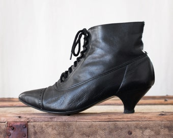 Vintage 80s Granny Boots size 5 - Lace Up Victorian Boots - Black Leather Ankle Boots 5