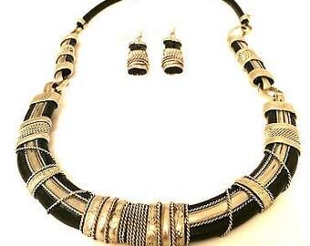 Set Of 2 Handmade Artistic Necklace Drop Earrings Silver Black Vintage Jewelry