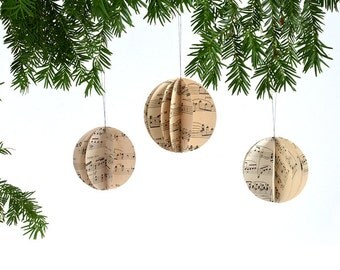 1 Christmas bauble made of vintage notes by renna deluxe