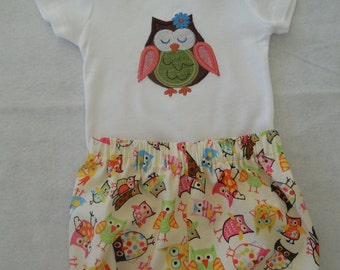 Baby Girl Onesie and Bloomers Set Size 9 months