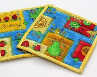 Quited Pot Holder Set of 2  Fruit Yellow Blue Kiwi Green Pear Rasberry Grape Apple Lemon Orange