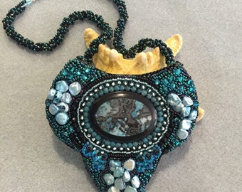 PATTERN The Shield or Holly's Cab bead embroidery necklace