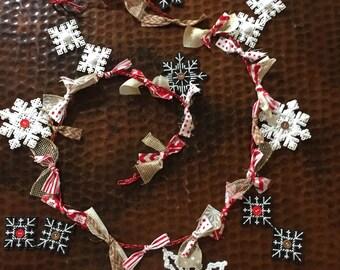 Snowflake Garland Red/White