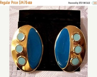 ON SALE Green Turquoise Dot Oval Button Discs Pierced Earrings Gold Tone Vintage Enamel Surgical Steel Post Smooth Finish
